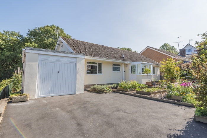 Beautifully presented Detached Bungalow on edge of town
